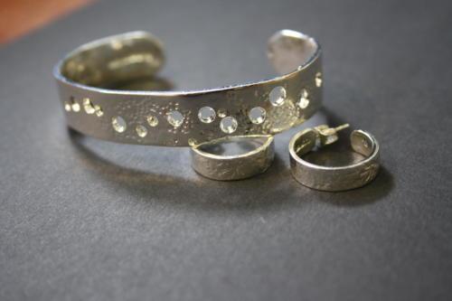 Rannekoru ja korvakorut hopea